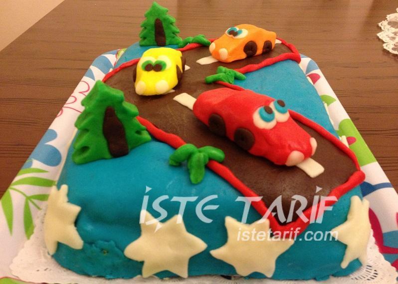 Şeker Hamurundan Arabalı Yaş Pasta 5