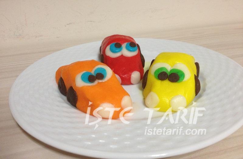 Şeker Hamurundan Arabalı Yaş Pasta 6